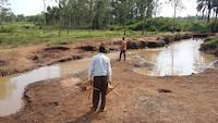 Gold prospecting on river Okame, Busia, Uganda