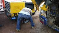 Maintaining compressors