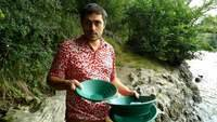 Basic gold panning tools for gold prospecting