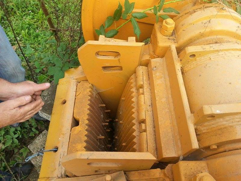 The jaws of the jaw crusher