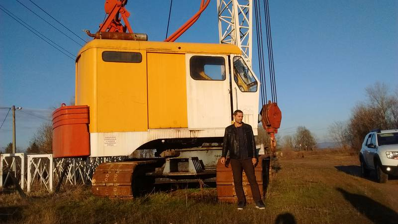 Jean Louis in front of the crane