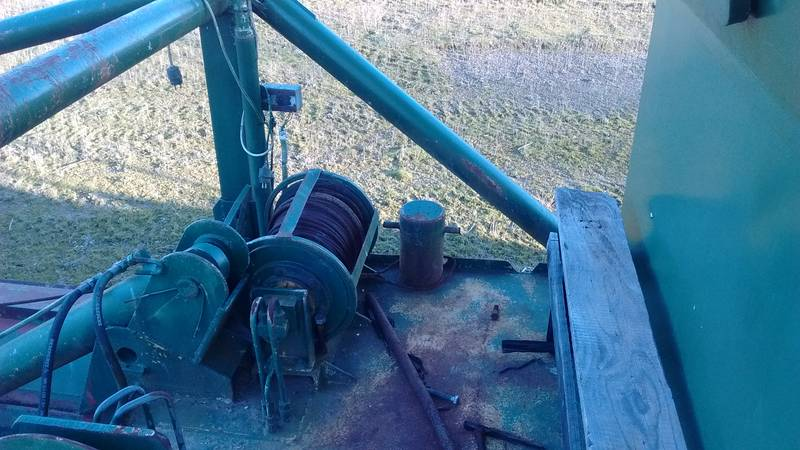 Winch on the dredge boat