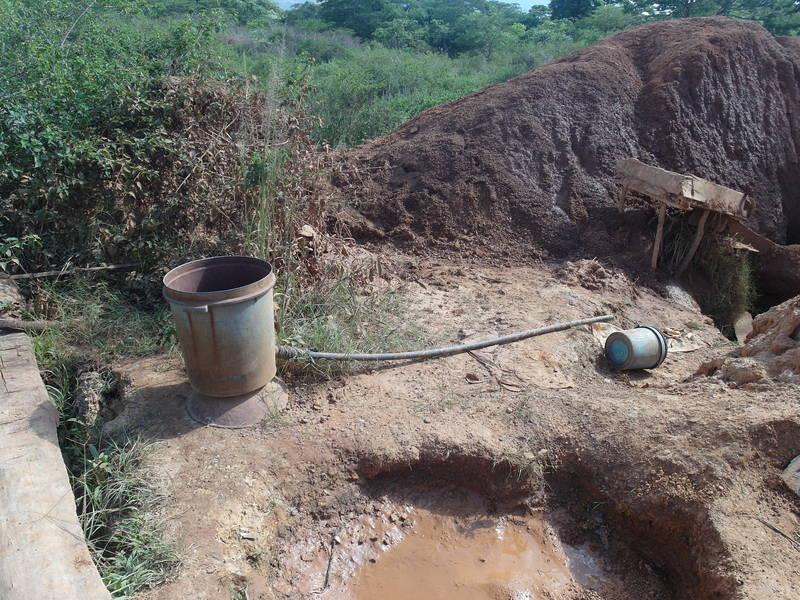 Tanzanian puku-puku sluice for gold washing