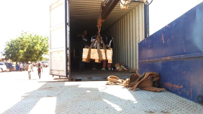 Offloading jackhammers from the container