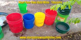 Black sand sorting with buckets