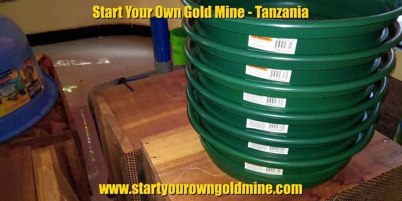 Set of sieves for basic gold prospecting