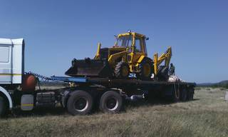 Wheel loader in Tanzania transported to the site