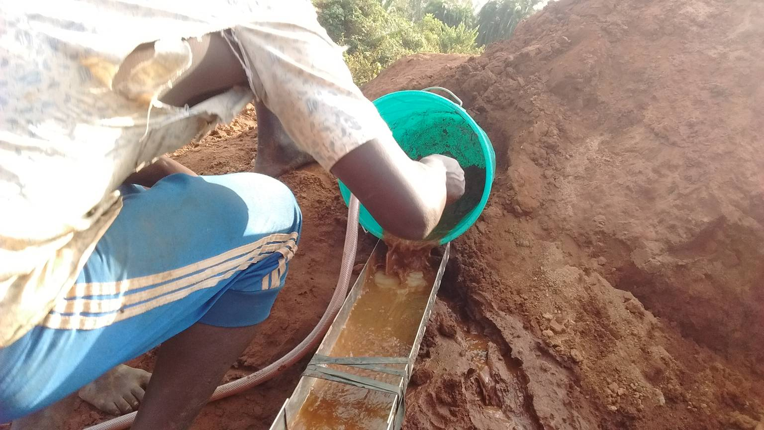 Start Your Own Gold Mine in 45 days with less than US $70,000