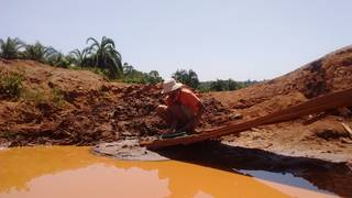 Prospecting in the tailings after the sluice
