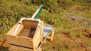 Quick and improvized sluice ready for work