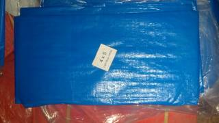 Plastic canvas for sample mixing