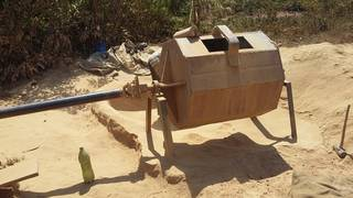 "Rudimentary ball mill or ""crusher"" in Uganda"