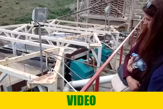 Video of mineral processing plant for chromite Cr2O3 mineral with arrays of shaker tables